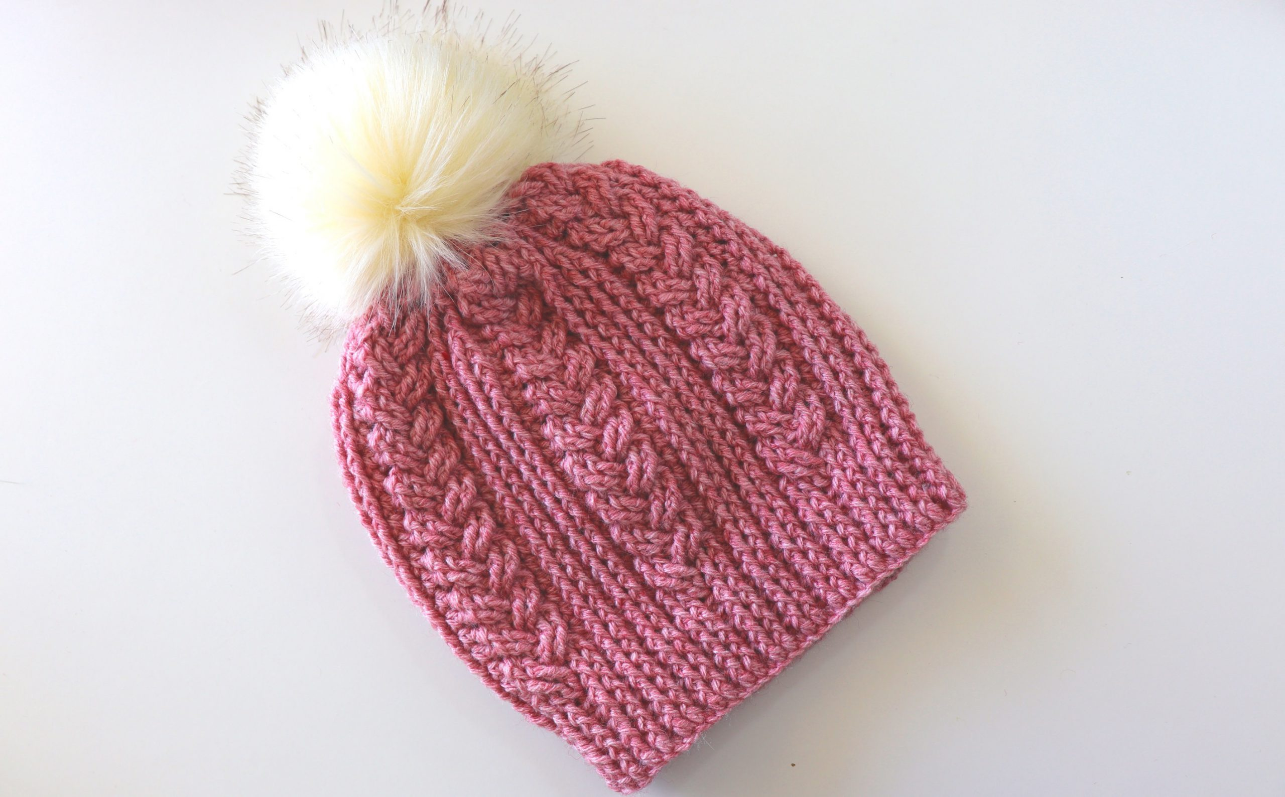 Crochet Pretty Cable Hat / Beginner Friendly Tutorial